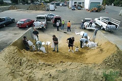 City of Santa Barbara opened its sandbag station at the Annex Yard at 401 E. Yanonali Street on Saturday Jan. 16, 2010