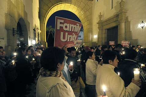 PUEBLO Action Fund held a vigil calling for immigration reform at the Santa Barbara  Courthouse on Monday.