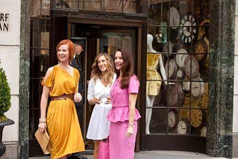 (L-R) Cynthia Nixon, Sarah Jessica Parker, and Kristin Davis, along with Kim Cattrall, reform their familiar foursome and head off to the Middle East in this sequel to <em>Sex in the City</em>.
