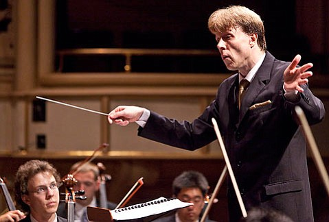 Arild Remmereit leading the Music Academy's Festival Orchestra in an concert that included music by Rachmaninoff, Barber, and Stravinsky.