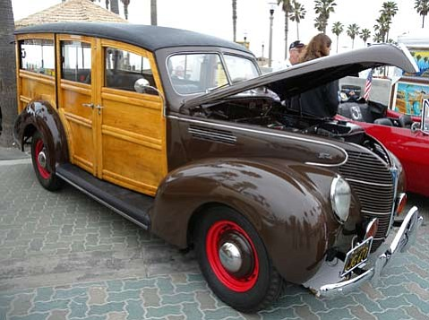 SBCC hosts 10th Annual Woodies at the Beach car show this weekend.