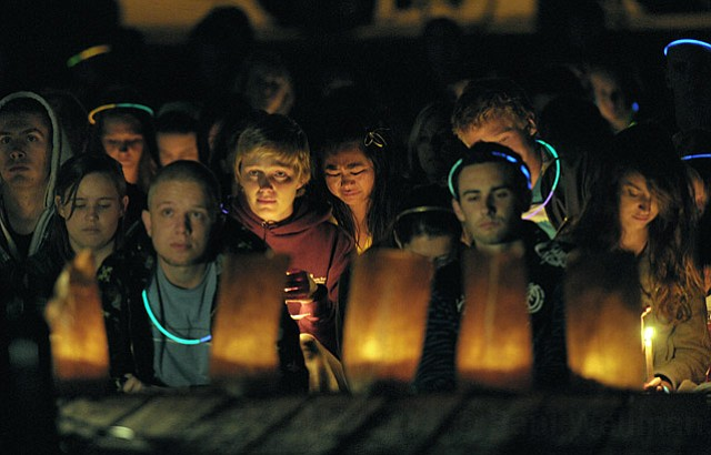 Candlelight vigil held in Isla Vista Tuesday night in remembrance of shark attack victim Lucas Ransom