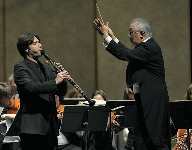 Jose Franch-Ballester was the soloist with the Santa Barbara Chamber Orchestra for Mozart's <em>Concerto for Clarinet and Orchestra in A Major, K. 622</em>.