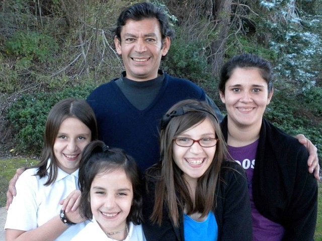Rudy Carlos and his family