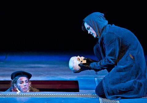<em>Hamlet</em>  at Hatlen Theatre.