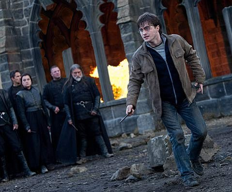 <strong>WIZ KID: </strong> Harry Potter (Daniel Radcliffe) confronts the challenges before him with resolve in <em>Harry Potter and the Deathly Hallows: Part 2</em>.