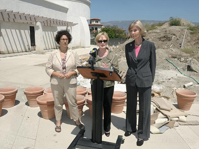 Congresswoman Lois Capps and Santa Barbara Mayor Helene discuss how the current FAA shutdown is effecting (among other things) the last phases of construction at the Santa Barbara Airport 08/04/2011