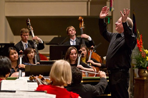 Nicholas McGegan leads the Academy Chamber Orchestra on Saturday, August 6.