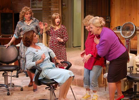 Background: Clarinda Ross as Truvy and Angela Goethals as Annelle. Foreground: Stephanie Zimbalist as M'Lynn, Bonnie Franklin as Ouiser and Von Rae Wood as Clairee.