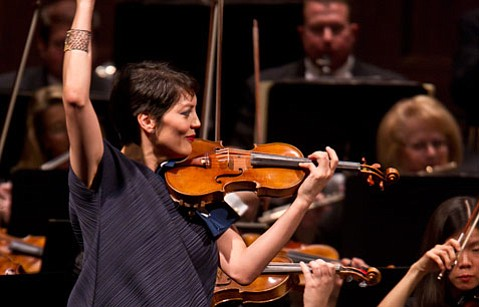 Anne Akiko Meyers joined the Santa Barbara Symphony for an excellent program on Sunday that mixed the worlds of Bach and Ravel with insight and integrity.