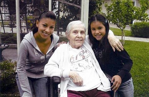 Berka with fond friends Nancy and Wendy Macias
