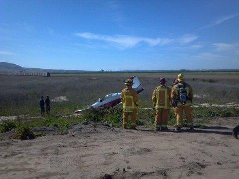 Small plane crashes in Santa Maria field