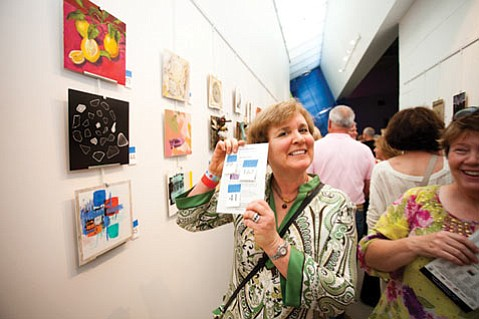 <b>SOLD!</b>  Ellen Wall scores at 2011's One Night Stand.