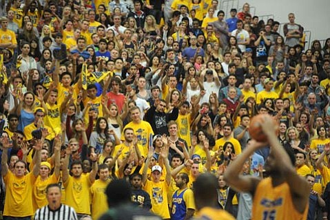 <b>GAUCHOS FOR LIFE:</b>  Fans packed the Thunderdome last Saturday for the UCSB men's losing basketball match against Cal Poly.