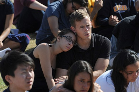 <b>MEMORIAL OF MANY: </b> More than 20,000 people attended Tuesday's memorial service at UCSB's Harder Stadium, from Isla Vista residents and UCSB students to the broader Santa Barbara population and dignitaries from around California.