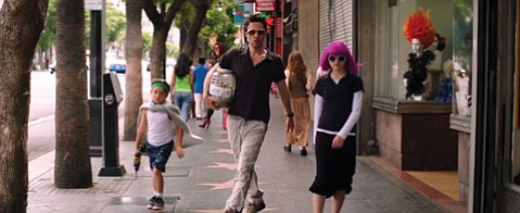 <b>GOLDEN STATE:</b>  Writer/director/actor Zach Braff (center) plays a struggling L.A. actor and family man in <i>Wish I Was Here</i>.