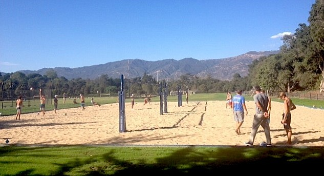 Laguna Blanca School played its first match on its on-campus sand volleyball courts on Tuesday, September 16.