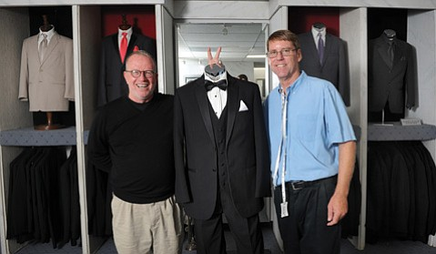 The author with Mission Tux owner John Murray.