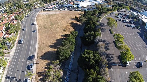 <b>ELBOW ROOM:</b>  Is this vacant parcel between car dealer row and La Cumbre Plaza big enough to accommodate senior housing and creek naturalization efforts?