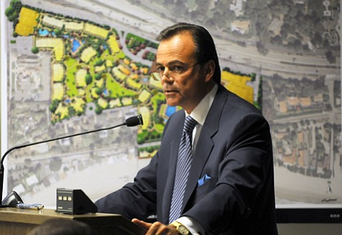 <b>SEA VIEW REVIEW:</b>  Rick Caruso, seen here at the Planning Commission in 2008, announced revised plans for the Miramar Hotel.