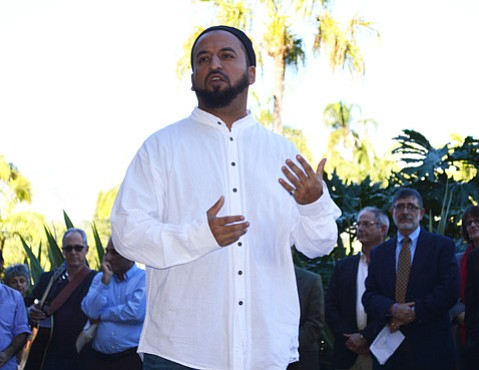 Imam Yama Niazi addreses the Prayer for Peace participants