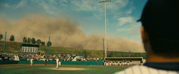 Scene of a gathering dust storm from <em>Interstellar</em>.