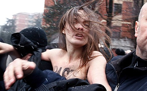 <em>Je Suis FEMEN</em>