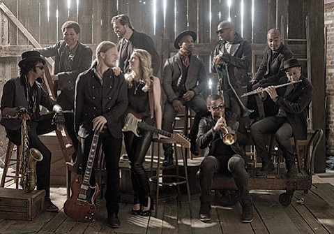 <b>DYNAMIC DUO:</b>  Susan Tedeschi and husband, Derek Trucks, front the aptly named Tedeschi Trucks Band, which has garnered worldwide acclaim for its epic shows.