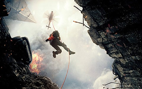"<b>THE BIG ONE:</b>  Dwayne ""The Rock"" Johnson plays an experienced helicopter rescuer in the disaster film San Andreas."