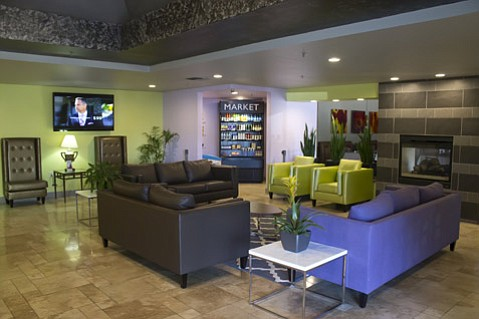 The lobby of the Holiday Inn Chico