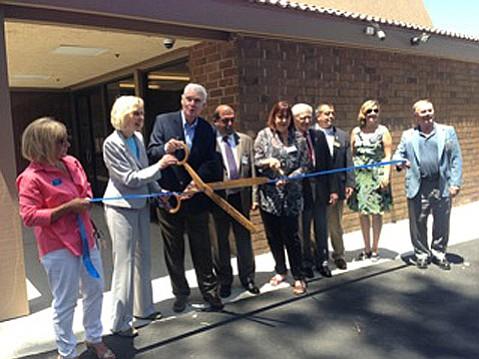 Congresswoman Lois Capps cuts the ribbon to the Goleta Neighborhood Clinic