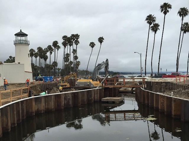 Cabrillo Boulevard Bridge under construction
