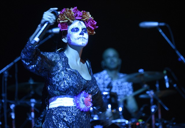 Bomba Estero performs during D'a De Los Metros celebrations at the Santa Barbara Bowl (Oct. 30, 2015)
