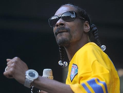 Snoop Dogg at the Santa Barbara Bowl (December 2009)