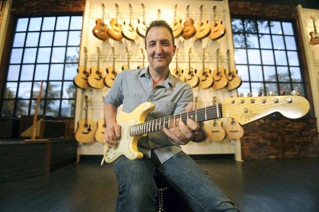 Jamie Faletti at the Santa Barbara Guitar Bar (Dec. 11, 2015)