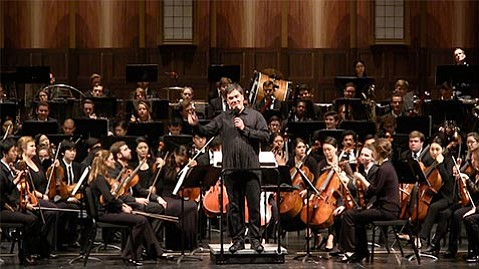 "<strong>ON THE MARCH:</strong> Maestro Alan Gilbert led the Academy Festival Orchestra in two symphonic pieces featuring <em>""Marsch""</em> movements, one by Beethoven and the other by Alban Berg."