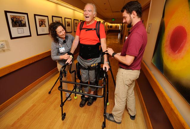 robot helps people walk again