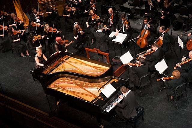Natasha Kislenko and Markus Groh join orchestra for remarkable performance.