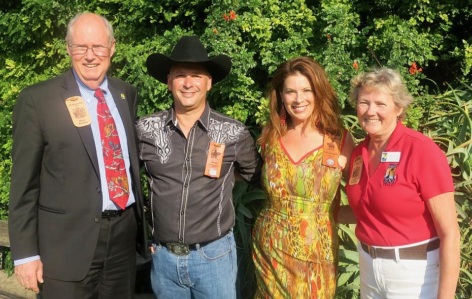 Zoo CEO Rich Block, El Primer Caballero Ben Feld, La Presidente Rhonda Henderson, and Zoo Director Nancy McToldridge.