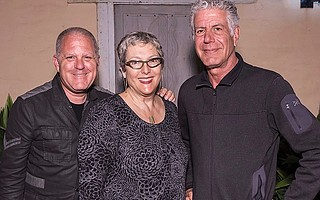 Premier table sponsors Bruce Heavin and Lynda Weinman with Anthony Bourdain.