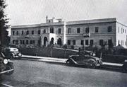 Original Sansum Clinic in 1932 (now a parking lot for the new facility).