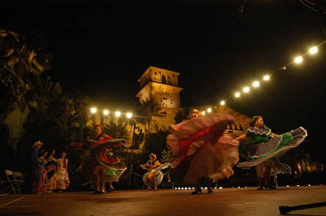 Las Noches de Ronda offers flamenco music and dancing under the stars at the Courthouse Sunken Gardens.