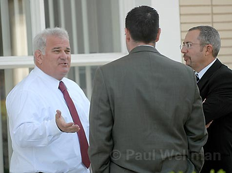 Scott Steepleton chats with <em>News-Press</em> attorneys Barry Cappello (right) and Dugan Kelley (center).