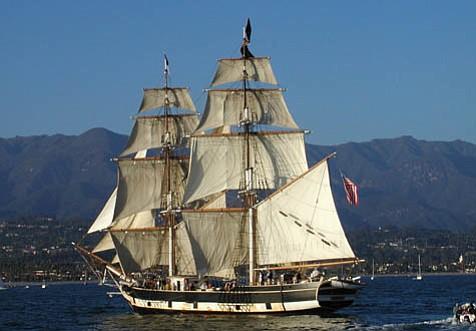 The <em>Pilgrim</em>, a stunning replica of a 19th-century tall ship.