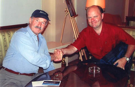 The author with Joe Zawinul in San Sebasti¡n in July 2001.
