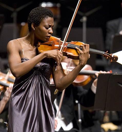 Tai Williams was the guest soloist for Samuel Barber's <em>Violin Concerto</em>.