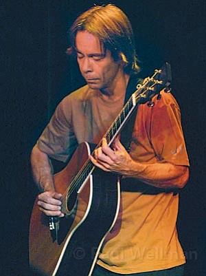 Guitar guru and Dave Matthews's go-to collaborator Tim Reynolds went solo Wednesday night at SOhO.