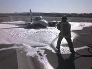 Foam fought a fuel leak in the plane crash at Santa Maria Airport.