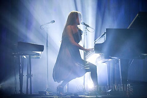 Tori Amos took her one-woman show-and multiple personalities-to the Arlington stage last Thursday night.