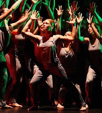 Erika Kloumann & members of SBDT & UCSB Dance Company